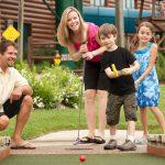 Minigolf je skvělý sport, který baví i děti