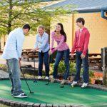 Minigolf je fantastická hra pro partu přátel